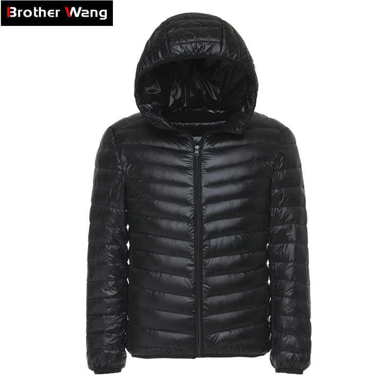 Brand 2018 Winter New Ultra Light Down Men Fashion Casual Hooded Warm Mens Down Jacket White Duck Down Coat male
